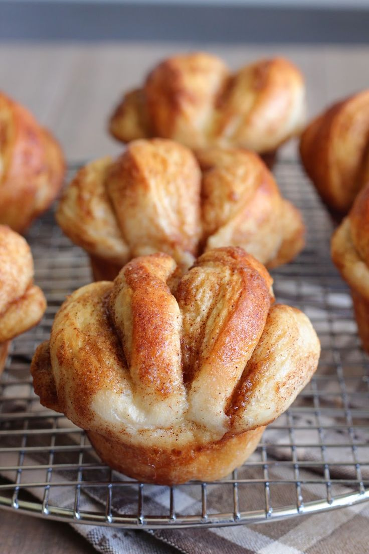 Do you love cinnamon rolls, but hate all the work preparing them? Well, these Cinnamon Butterflake Rolls are made for you :) They are ...