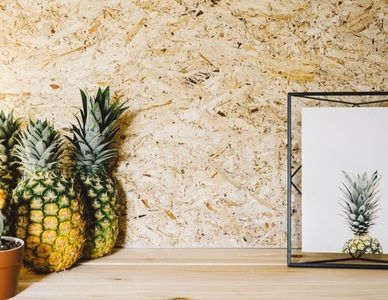 by Jessie Parker There are so many ways to display your photos today that it can be really hard to decide the best one for your home. Perhaps like me, you've experimented with a lot of different tr…