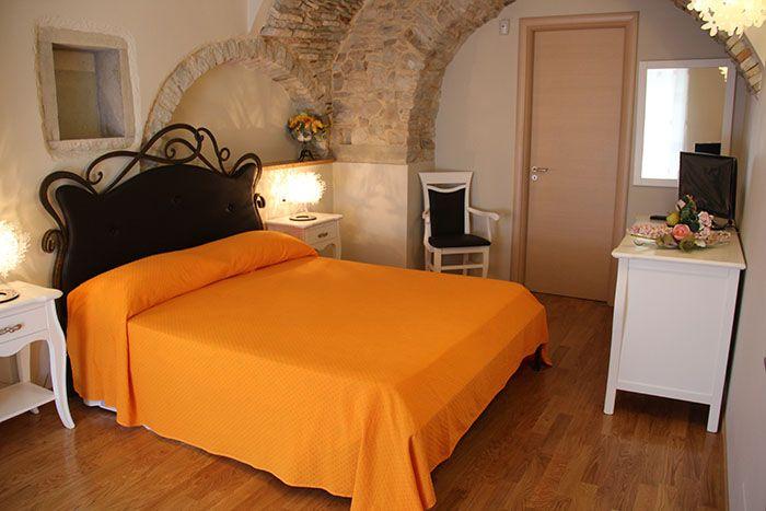 Letto - Camera Girasole - Affittacamere Bed and Breakfast Da Nonna Elisa a Roseto Valfortore