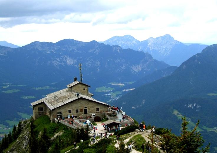 berchtesgaden hitler 39 s eagle 39 s nest retreat in the german bavarian alps memories pinterest. Black Bedroom Furniture Sets. Home Design Ideas