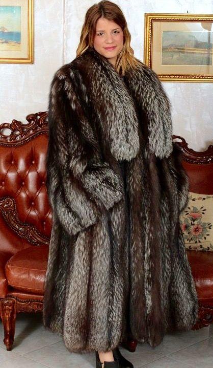 201 best Best fur images on Pinterest | Fur coats, Fox fur and Furs