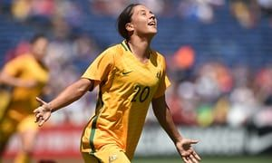 ICYMI: Matthew Hall speaks to Sam Kerr: 'There are no hierarchies, no cliques, we're just fit & fast.'
