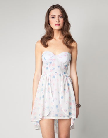 in love with this dress! saw it at Bershka in Mexico, WANT!