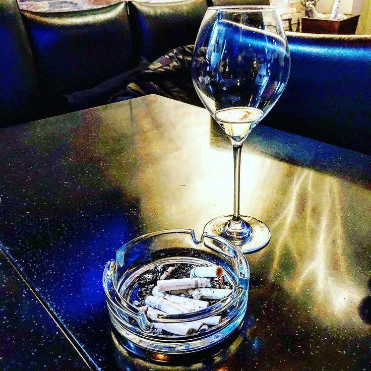 組み合わせ#bar #alcohol #drunk #バー #お酒 #飲み #liquor #yum #yummy #instagood #cocktails #bartender #foodstagram #美味しい #drinks #follow4follow #whisky #laphroaig #ウィスキー #roppongi #六本木 #フォロー返します #ふぉろば100 #動物 #animal #japan #like4like #followforfollow #flowers #art