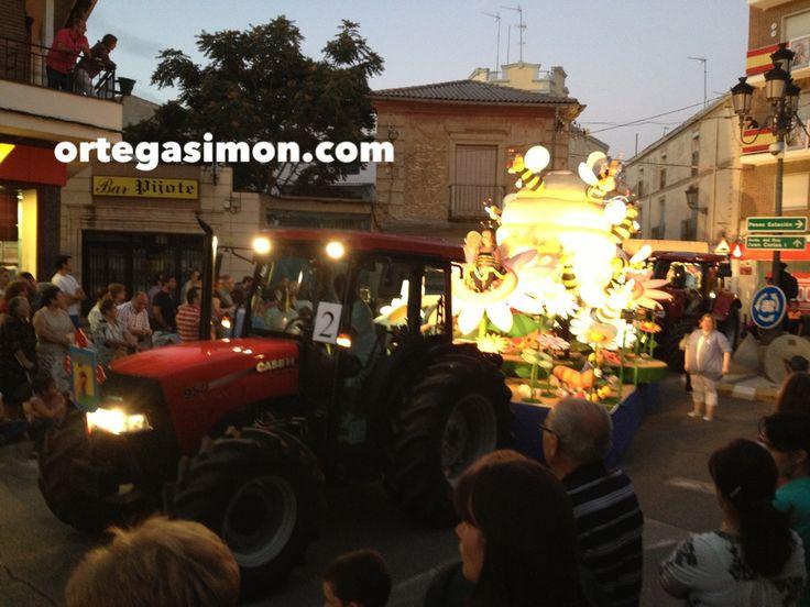 Desfile de carrozas en las fiestas de Tarancón 2013