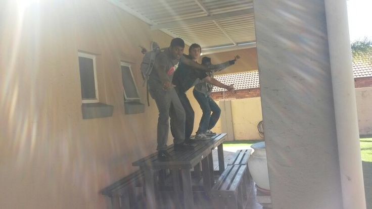 Surfing on tables