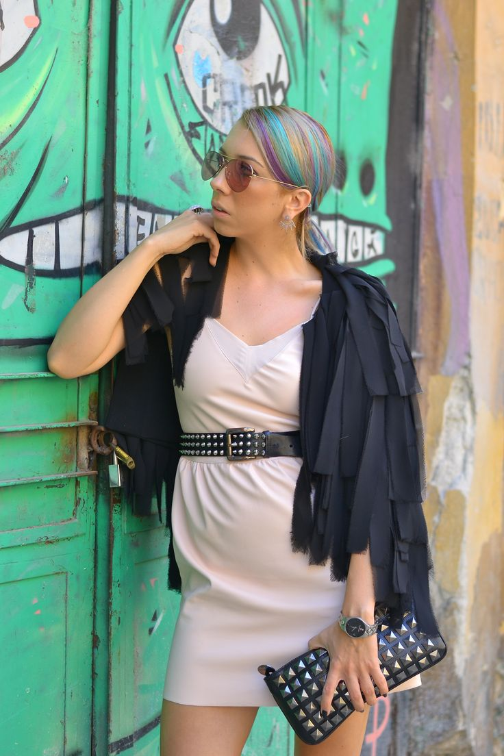 http://www.monoclu.ro/my-leather-dress-fits-with-my-blue-and-purple-hair-im-a-rainbow/#more-2982 #monoclu #streetfashionbucharest #raybanfashion #leather #colorhair #casualoutfits #allblack #fashionbags #adona #cooloutfit #rockstyle #zara #burberrybelt #pinksunglasses #buchareststyle #bloggers