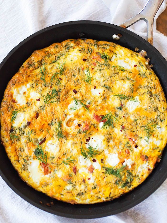 Enjoy this make ahead smoked salmon frittata with goat cheese, dill and capers!