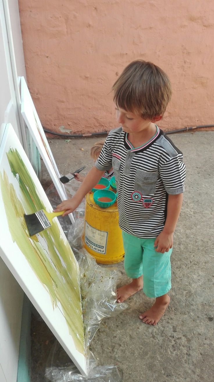 Riekert busy painting.