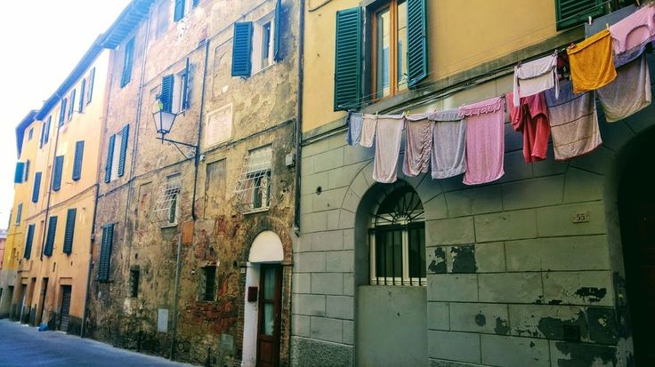 Walking around Siena you still find daily life corners amid the historical medieval buildings. I love the 'bucato' hanging out to dry like a private diary opened in public. . . . . #wishversilia #tuscany #travel #travelpics #instatravel #instavacation #ilovetravel #italygram #tuscanygram #italyphoto #visit_tuscany #visittuscany #tuscanybuzz #instatuscany #italyiloveyou #postcardfromtheworld #traveling #vacation #visiting #instago #instagood #trip #holiday #photooftheday #instapassport…