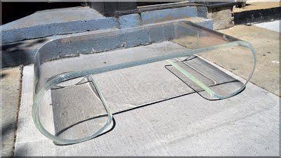 modern stílusú üvegasztal