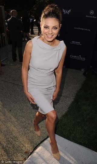 Mila Kunis' Friends With Benefits Fashion - Sky Living HD
