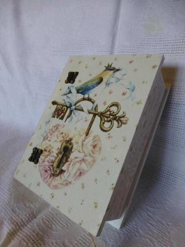 Decorative box - book