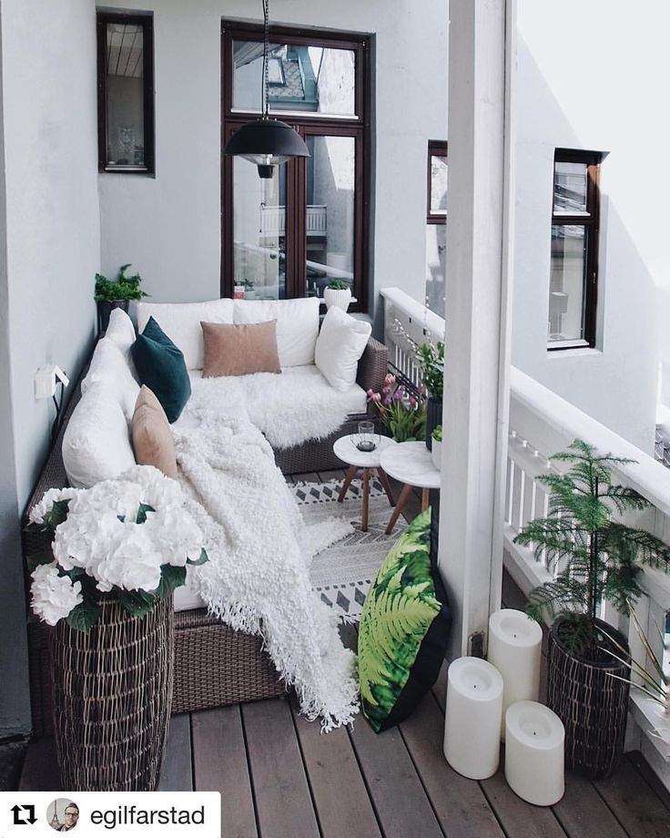 Ein wunderschöner Balkon Egil Farstad 💕 Bevorzugen Sie eine Terrasse oder einen Balkon? 🤔 _ #Hausbuch #Hausdekor #Terrasse #Balkon – Agnes Kalivoda