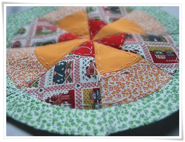 English paper piecing by Cards By Paula, via Flickr