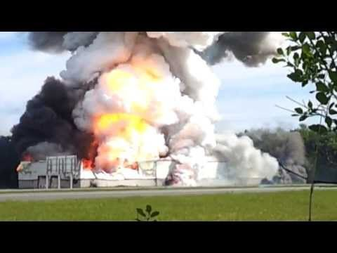 explosion firework warehouse entrepot fe