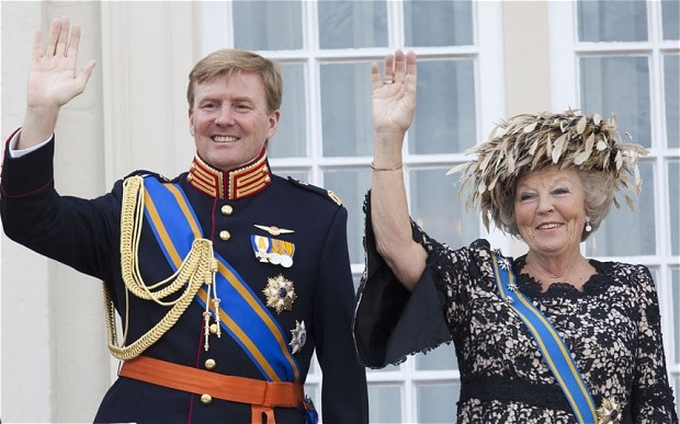 Dutch Queen Beatrix 'to abdicate in favour of son'