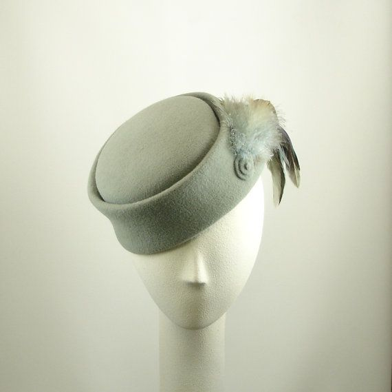 Cocktail Hat for Women 1920s Fashion Hat Gray Fur Felt Hat w Feathers