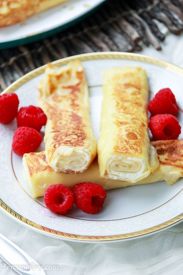 Sautéed Cream Cheese Crepes || These cream cheese rolled crepes are sauteed in a frying pan which results in a creamy, sweet crepe with a crispy and slightly caramelized exterior.