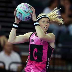 Trans-Tasman final to decide FAST5 title The FAST5 Ferns will meet Australia in the final of the FAST5 Netball World Series after keeping a clean sheet through the round robin in Auckland on Sunday. ...
