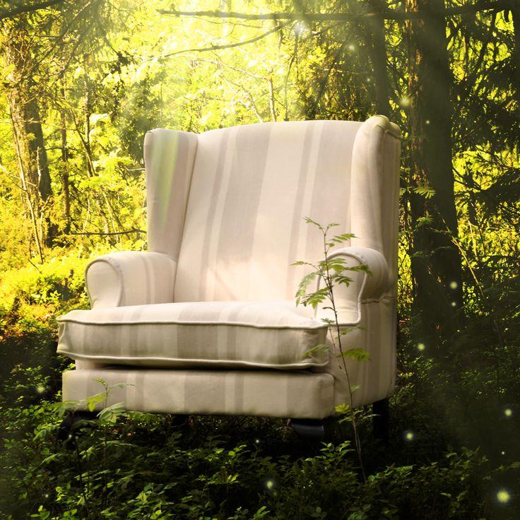 Flott hvit og beige stripet lenestol fra www.krogh-design.no