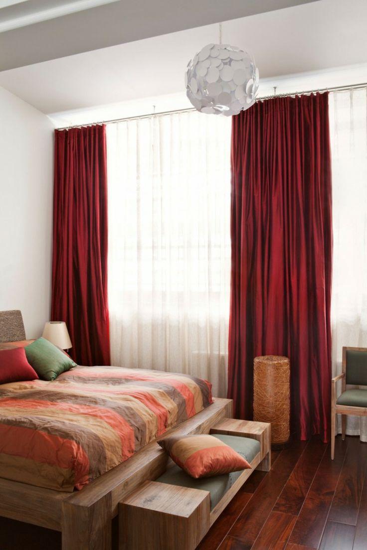 rideaux chambre rouge carmin lit et bout de lit en bois de teck et plancher - Rideaux Chambre Garcon