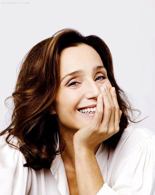Kristin Scott Thomas, la plus française des actrices anglaises. Et quel sourire.