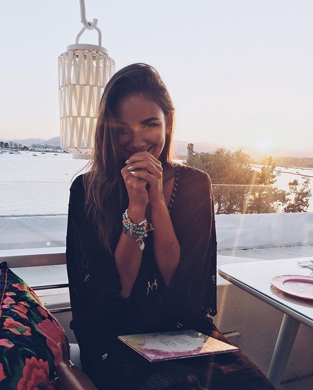 Great memories make me smile ☺️ Good Night #happygirl #tb #janinaandspain #lebeliebelache