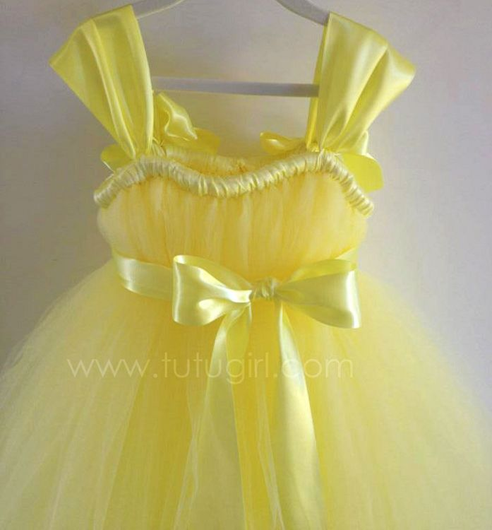 yellow dress dream meaning floating