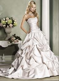Wedding Dress Southern Style; This Girl Is Really Thin... Itu0027s Scary