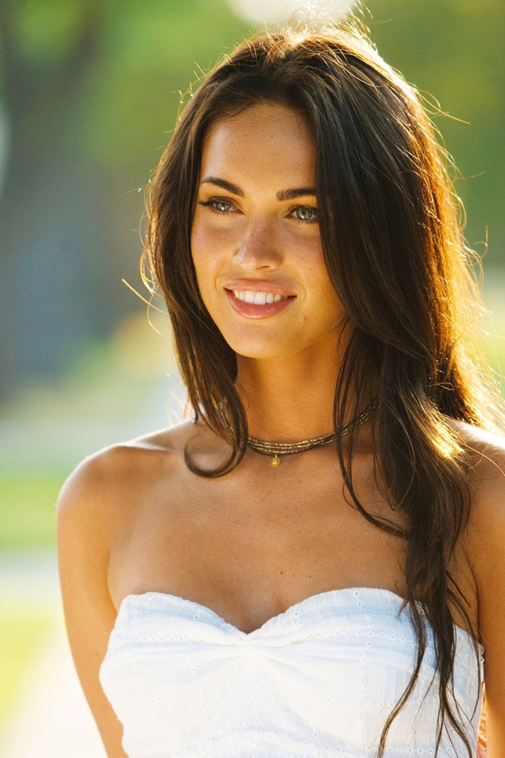 bombshell Megan Fox- before she turned hideous!