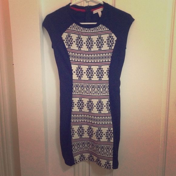 Aztec print, fitted Springfield dress Bought in Spain, new with out tags, never worn. It fits like an XS/S, it's fitted and hits about mid thigh. I love the dress, fits well to size, I just won't wear it. Springfield Dresses