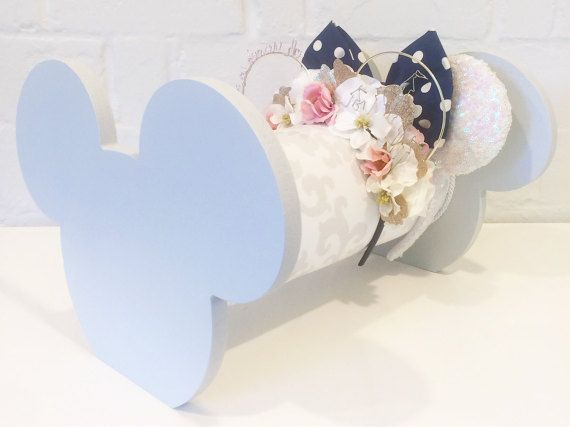 Gray & White Damask Mouse Ear Display