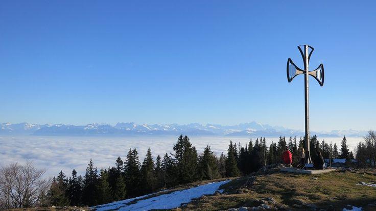 La Croix de Châtel, randonnée d'été dans le Jura depuis Montricher Les Dents du Midi et le Mont Blanc