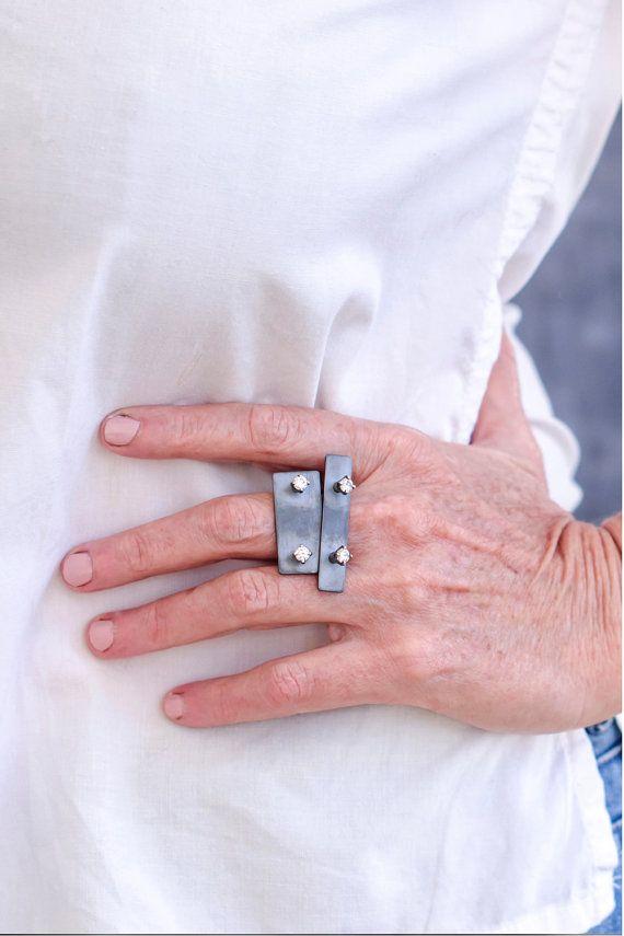 Anillo moderno declaración oxidado nudillo plata por CONTOURstudio