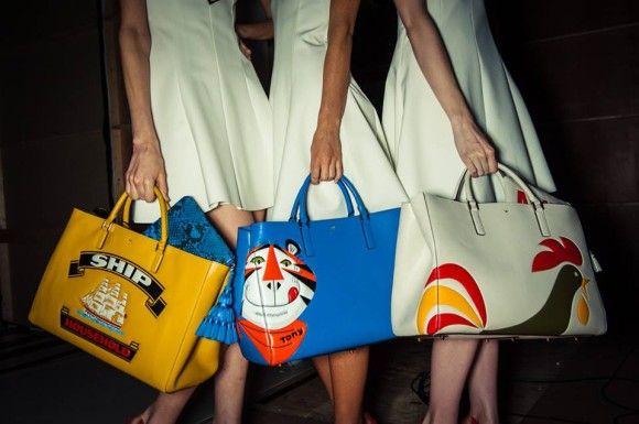 高級ブランド「アニヤ・ハインドマーチ」なんと新作にケロッグのシリアルやアリエール洗剤の箱をモチーフにしたバッグを発表!