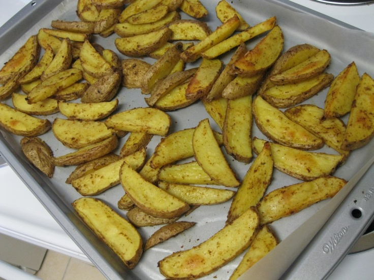 CURRY SPICED POTATOWEDGES!: Simplest Recipes, Turning Veganes, Yummy Recipes, Savory Food, Potato Wedges, Spare, Cooking Potatoes, Spices Potatoes Wedges, Curries Spices