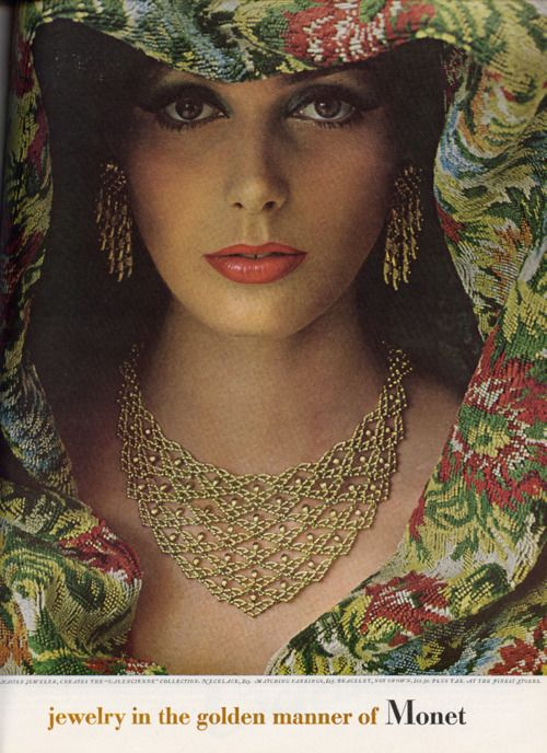 Monet 1964    This one might be my favorite.: Jewelry Ads, Costumes Jewelry, Gold Necklaces, Monet 1964, Magazines Ads, 60S Makeup, Vintage Necklaces, Vintage Costumes, Jewelry Rings