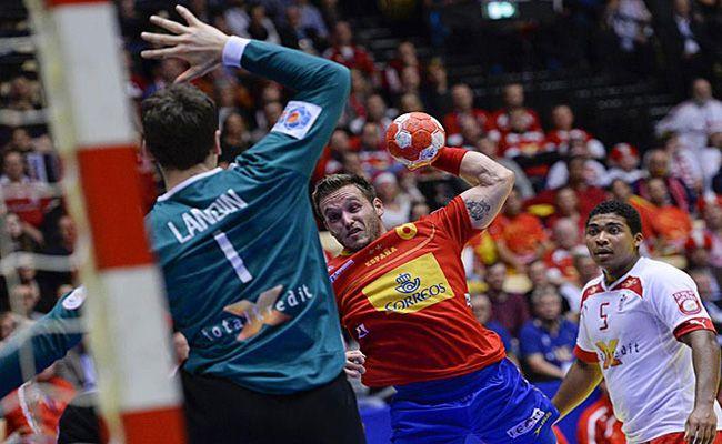 Niklas Landin frena a España
