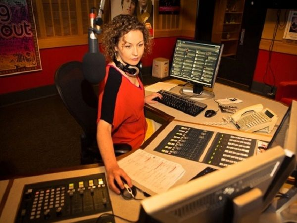 Triple J's Zan Rowe talks to Jesse Setaro about her experiences of becoming a radio broadcaster and shares advice on how others can do the same.