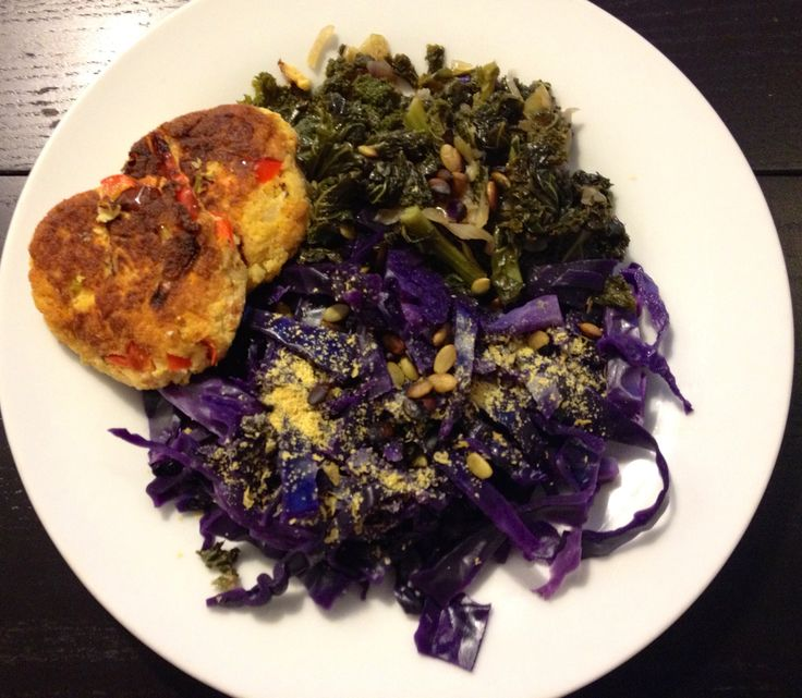 Kale and cabbage with bean boll