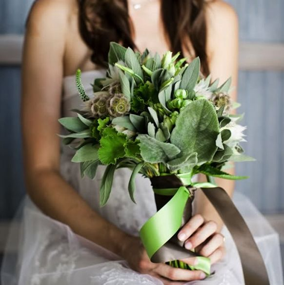 Green Fl Is All The Rage This Year Here Are A Few Our Favorite Examples Of Bridal Bouquets
