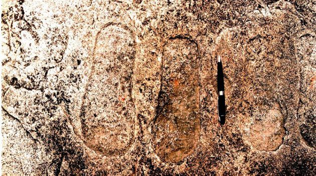 http://www.ufo-blogger.com/2013/08/ancient-aliens-footprints-india-ufo-jharkhand.html Local folklore claims the prints signify the presence of gods landing on site. God-kings of Indian mythology Lord Rama and Lord Lakshmana are believed to have spent time in the area in search of Rama's wife, Sita, says the Epoch Times report.