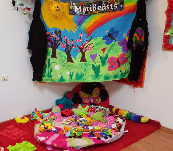 Early Years MInibeasts Small World Area@Acorns Nursery Bucharest