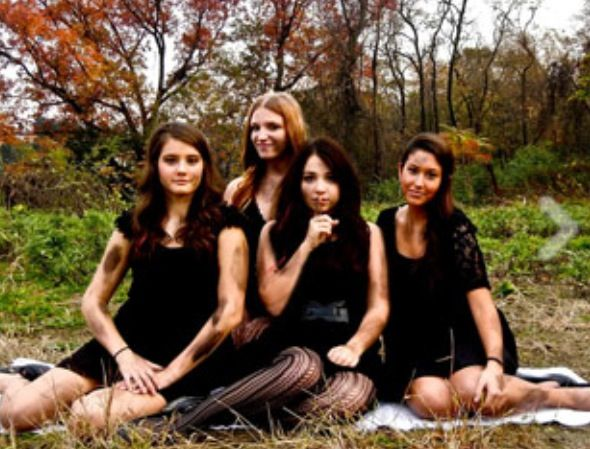 pretty little liars costume perfect for a group of friends - Halloween Friends Costumes