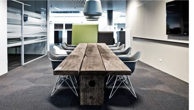 Sydenergi THORS Gaia rustic in Meeting Room with grey Eames Chair
