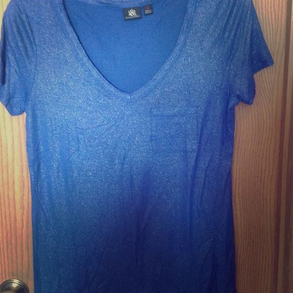 Rock&Republic metallic tee-shirt NWOT Rock & Republic V-neck metallic sparkly tee-shirt. NWOT, peri-winkle blue. Very cute with some jeans and heels!!! 100 percent rayon, machine washable Rock & Republic Tops Tees - Short Sleeve