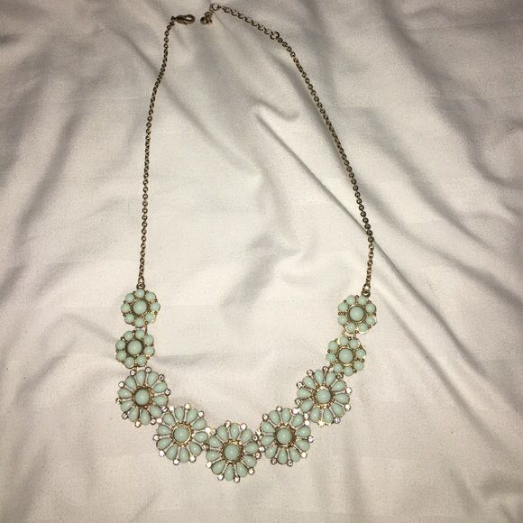 Spotted while shopping on Poshmark: Forever 21 turquoise flower necklace! #poshmark #fashion #shopping #style #Forever 21 #Jewelry
