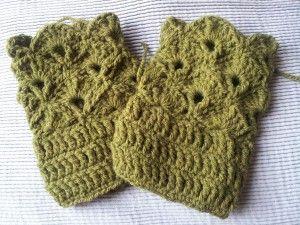 green shell wrist warmers