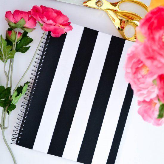 Tu creatividad al momento de recrear estos diseños debe de ser lo más importante. A mi en lo personal me divierte mucho forrar mis cuadernos, lo disfruto. Nota: sé que muchos de estos cuadernos a lo mejor ya vienen así en cuestión de diseño, pero...